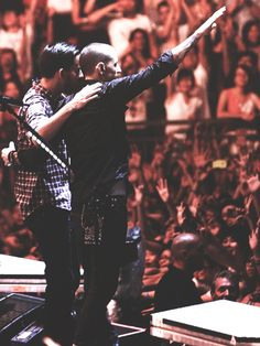 MIKE SHINODA AND CHESTER BENNINGTON I love them just because of how much they love each other...