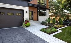 Backyard garden design pathways driveways Ideas for 2019 Modern Driveway, Stone Driveway, Driveway Design, Driveway Landscaping, Modern Landscaping, Landscaping Ideas, Driveway Border, Front Yard Design, Front Yard Walkway