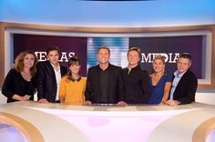 """SEPTEMBRE 2013. Je rejoins l'équipe de """"Médias le Magazine"""" sur France 5 (tous les dimanches, de 12h30 à 13h40). L'émission présentée par Thomas Hugues depuis 5 ans traite de l'actualité des médias, comme son nom l'indique. J'y interviens en fin démission pour une chronique intitulée """"On ne déconne pas avec la télé"""". Parce qu'on ne déconne pas avec la télé. France 5, 2013, Comme, Magazine, Biography, September, Magazines"""