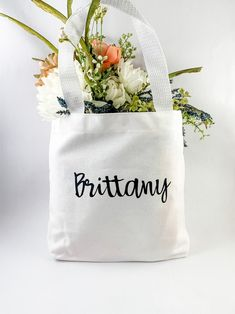 Home Decor Crafts Personalized Canvas Tote and Tag Custom Gift Bag Wedding Gifts For Couples, Personalized Wedding Gifts, Customized Gifts, Wedding Photo Booth Props, Photo Booth Frame, Custom Gift Bags, Cheap Beach Decor, Decor Logo, Bachelorette Gifts