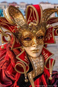 Venice Carnival Masks 2018 by Garry Platt Venice Carnival Costumes, Venetian Carnival Masks, Carnival Of Venice, Venetian Masquerade, Masquerade Ball, Venice Carnivale, Venice Mask, The Mask Costume, Art Costume