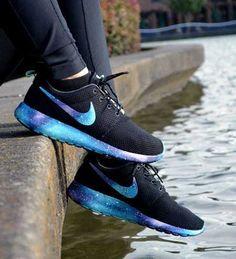Platform ve desenli tabanlı spor ayakkabı modelleri...