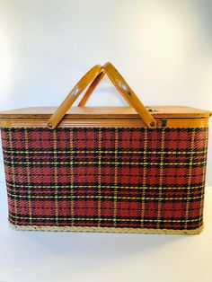 Excited to share this item from my shop: Classic Vintage Redmon Tartan Wicker Picnic Basket with Wooden Lid and Double Metal Handles, Stamped Redmon Peru. Vintage Picnic Basket, Wicker Picnic Basket, Vintage Baskets, Pink Depression Glassware, Vintage Props, Japan Design, Tin Boxes, Vintage Lighting, Plaid Pattern
