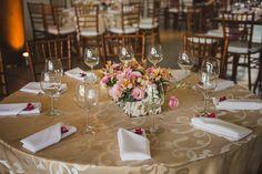 Décor das mesas - Casamento no Campo Table Settings, Table Decorations, Party, Gisele, Weddings, Home Decor, Budget Friendly Weddings, 50s Wedding, Bodas