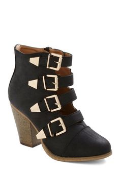 Edge of Eminence Bootie in Black