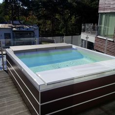 Our #minipools defy even the harshest temperatures! Here is the captivating Seaside on the terrace of a fabulous villa in Malmö, Sweden. Who says you can only have an open-air whirlpool in a hot country? #outdoor #design