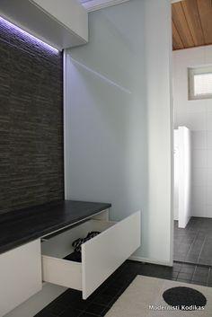 Modernisti Kodikas: Pukuhuoneen ja kylpyhuoneen kevät