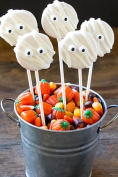 These Mummy Cookie Pops can be made in just 30 minutes and require no baking!