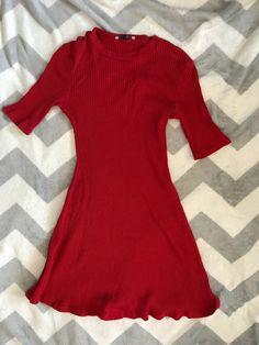 Červené Zara šaty - vinted.cz