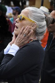 Ali MacGraw gushes over 'chemical' attraction to Steve McQueen Ali Macgraw, La Malmaison, Advanced Style, Ageless Beauty, Glamour, Grey Hair, Famous Faces, Old Women, Movie Stars
