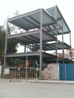 Steel beam and column frame connected to concrete slab - Estructura metalicas para casas ...