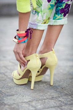 pale yellow pumps. such a fun color for summer.