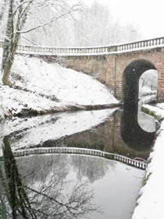 "vwcampervan-aldridge: ""Snow falls over the Bridge to Chillington Hall, Brewood, Staffordshire, England """