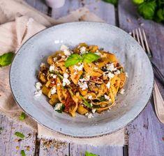 Vegogratäng med grönkål, fetaost och soltorkade tomater - Landleys Kök Vegetarian Food, Ethnic Recipes, Veggie Food, Vegetarian Meals, Vegetarian Wedding Food, Vegan Meals, Vegan Food