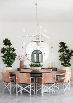 Inside a Modern Family Home in La Quinta, California Interior Simple, Patio Interior, Home Interior, Kitchen Interior, Contemporary Interior, Modern Family, Home And Family, Family Room, Rooms Ideas