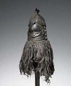 Sociedad Mende máscara, madera y rafia, Mende tribu, Sierra Leona, África, XIX c.  Msmt.s de casco solamente.  * Med.Raffia - Pos.  ¡Cabello humano!