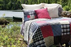 Now that's roughin'' it ; Quilt Making, Bedding Sets, Comforters, Duvet Covers, Scrap, Diy Projects, Cottage, Throw Pillows, Quilts