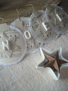 boule de Noël en lin et papier                                                                                                                                                                                 Plus