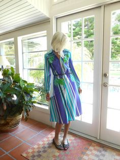 Vintage Peggy Boyd dress 1960's zipper up the front long sleeve polyester op art: medium