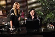 Teri and Kim doing some investigating on Drop Dead #Diva!