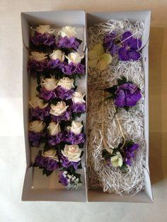 Corsages paars/wit van hortensia en roosjes. Bevestiging met magneetjes! (Corsages gemaakt door www.Bloemenweelde-amsterdam.nl)