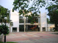 """Galeria """"Braulio Salazar"""", en la Urbanizacion Prebo-Valencia, Edo. Carabobo.   ~lbk~"""