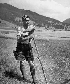 Photograph by Walter Sanders. Oberammergau, Germany, June 1947. #Werdenfels