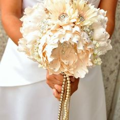 I wantttt!!, Could this be any more me with having rhinestones in the bouquet?