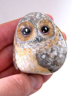 "ru / Triss – Альбом ""Птицы"" - All For Garden Painted Rocks Owls, Owl Rocks, Painted Rock Animals, Painted Pebbles, Painted Stones, Rock Painting Patterns, Rock Painting Ideas Easy, Rock Painting Designs, Pebble Painting"