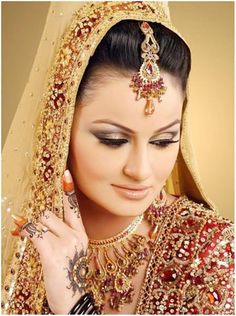 52 Ideas for pakistani bridal makeup natural indian weddings Bridal Makeup Tips, Best Makeup Tips, Bride Makeup, Best Makeup Products, Hair Makeup, Makeup Ideas, Bridal Tips, Beauty Products, Pakistani Bridal Makeup