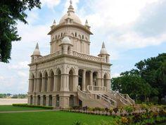 Belur Math: a tranquil monastery near Kolkata Asia City, Swami Vivekananda, India Tour, The Monks, West Bengal, Tourist Places, Architectural Elements, India Travel, Incredible India