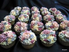 White Chocolate buttercream flower cupcakes   Flickr - Photo Sharing!