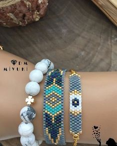 Mutlu Akşamlar🕊💙 Gri kombin 👏🏻🐘 ________________________________… Happy Evening🕊💙 Gray Combination 👏🏻🐘 __________________________________ que a Seed Bead Jewelry, Sea Glass Jewelry, Diy Jewelry, Beaded Jewelry, Jewelery, Jewelry Design, Loom Bracelet Patterns, Bead Loom Bracelets, Stitch Crochet