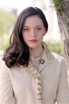 Pictures of Rose McGowan - Pictures Of Celebrities Serie Charmed, Charmed Tv Show, Paige Charmed, Rose Mcgowan, Adelaide Kane, Holly Marie Combs, Shannen Doherty, Celebrity Babies, Famous Women