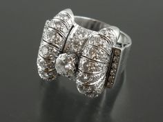 An Art Déco diamond and platinum ring. 1935 c.a. Pennisi Milano