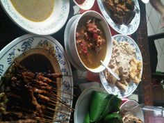family breakfast at Pesindon Indonesian Food, Beef, Breakfast, Recipes, Meat, Indonesian Cuisine, Recipies, Ox, Ground Beef