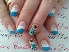 Blue flower dots nail design Love Nails, Pretty Nails, Dot Nail Designs, Nail Art Galleries, Simple Designs, Nail Polish, Dots, Floral, Nailart