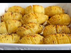 Pomme de terre à la suèdoise :rôties au four / Swedish Roasted Potatoes recipe / بطاطس في الفرن Potatoes In Oven, Roasted Potatoes, Diabetic Recipes, Healthy Dinner Recipes, Espresso Machine, Vegan Side Dishes, Deviled Eggs Recipe, Food Advertising, Food Fantasy