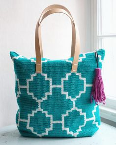 Now you can make the new crochet bag by Molla Mills too - the Kaakeli tote bag! We're going to talk you through each step, using charts and pictures. Crotchet Bags, Knitted Bags, Crochet Clutch, Crochet Handbags, Single Crochet Stitch, Knit Or Crochet, Tapestry Crochet Patterns, Bag Pattern Free, Tapestry Bag