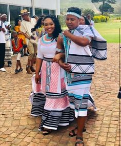 South African Dresses, African Print Dresses, African Fashion Dresses, African Attire, Fashion Outfits, Men's Fashion, African Fashion Traditional, African Traditional Wedding, Traditional Wedding Attire