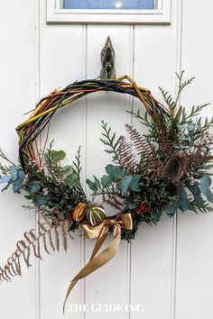 Wow!! I love the Christmas wreath ideas in this post!! I am so happy I found it. I have been looking for a post like this. Christmas Wreaths For Windows, Christmas Decorations For The Home, Diy Christmas, Wreath Ideas, Pine Cones, Cinnamon, Decor Ideas, Happy, Canela