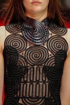 neckpieces on the 2013 runway pics | Fall 2013 Runway Jewelry Highlights « THE GEM STANDARD