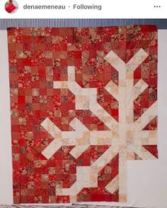 Confessions of a Fabric Addict: I May Have A Scrap Problem. Bringing In The Season, Scrappy! Christmas Tree Quilt, Christmas Sewing, Christmas Crafts, Christmas Quilting, Christmas Ideas, Bargello Quilt Patterns, Quilt Patterns Free, Quilting Projects, Quilting Designs