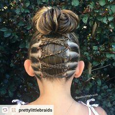 ❤️ Upside down braid into a messy bun. Girls Hairdos, Lil Girl Hairstyles, Princess Hairstyles, Pretty Hairstyles, Braided Hairstyles, Toddler Hairstyles, Bohemian Hairstyles, Upside Down Braid, Curly Hair Styles