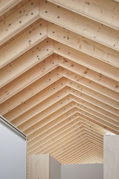 Image 9 of 15 from gallery of M House / Facet Studio. Courtesy of Facet Studio Timber Roof, Roof Trusses, Timber House, Timber Frame Houses, Timber Architecture, Architecture Details, Roof Design, House Design, Gable House