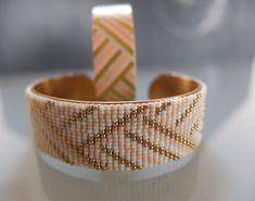 Manchette laiton customisée avec des perles de rocaille