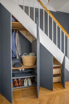 trapkast volwaardige garderobekast Space Under Stairs, Under Stairs Cupboard, Under The Stairs, Staircase Storage, Staircase Design, Storage Under Stairs, Modern Staircase, Staircase Ideas, Under Stairs Storage Solutions