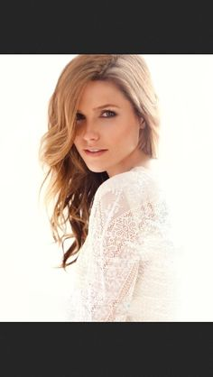 One Tree Hill- Brooke Davis...(sophia bush) love the way this photo is