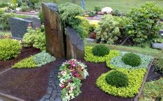 Top 10 drugs that cause kidney damage and even kindnye canncer Scrabble Crafts, Courtyard Landscaping, Cemetery Decorations, Dry River, Outdoor Projects, Outdoor Decor, Funeral Tributes, Water Garden, Patio Design