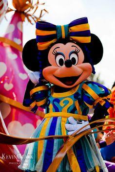 Minnie ~ Move it! Shake it! Celebrate it! Street Party